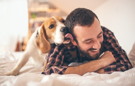 What are the benefits of having a pet?